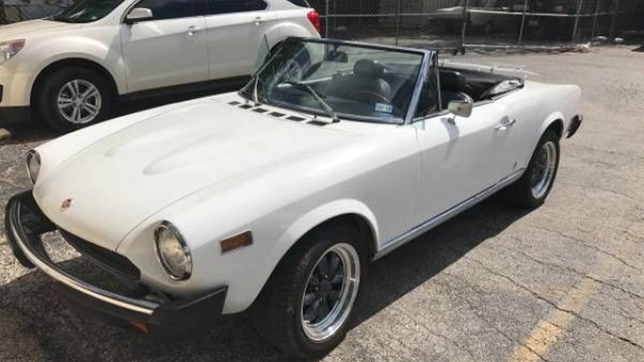 carwow fiat version to top guide lead hard for sale spider news coupe get complete