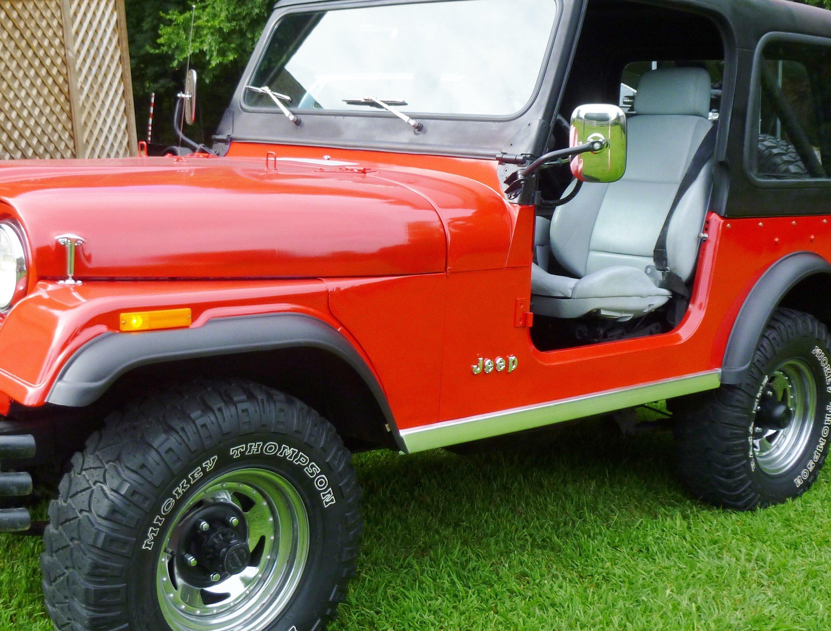 Jeep C7 Laredo 1986 1:43 IXO MODELL AUTO DIECAST CLC189