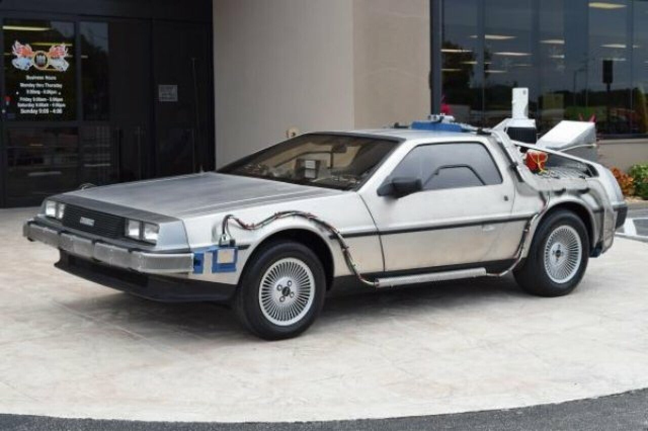 delorean dmc-12 фото