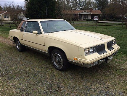 Classic oldsmobile cutlass supremes for sale autotrader for 1986 oldsmobile cutlass salon for sale