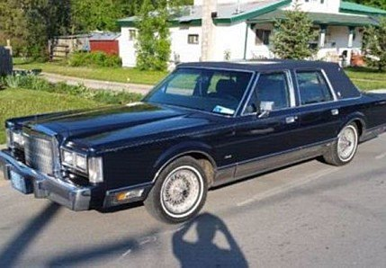 1988 lincoln town car classics for sale classics on autotrader. Black Bedroom Furniture Sets. Home Design Ideas