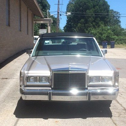 1988 Lincoln Town Car Signature for sale 100883910