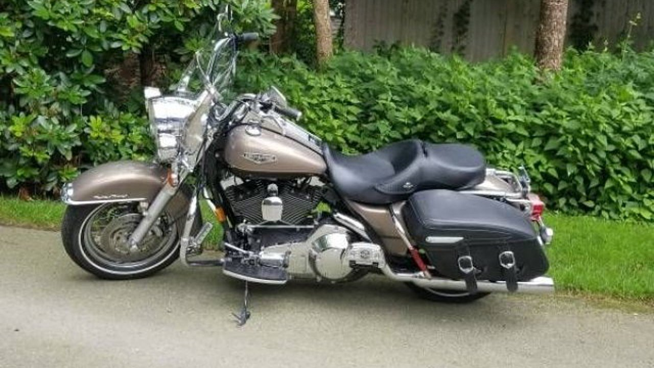 2004 Harley-Davidson Touring for sale 200580353