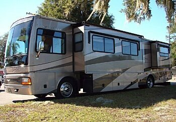 2005 fleetwood Discovery for sale 300153082
