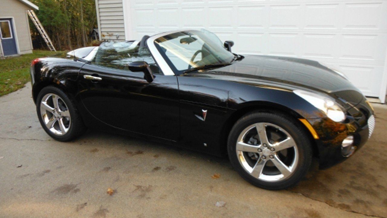 2006 pontiac solstice convertible for sale near menominee michigan 49858 classics on autotrader. Black Bedroom Furniture Sets. Home Design Ideas