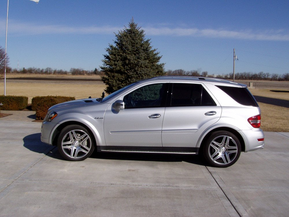 Great 2011 Mercedes Benz ML63 AMG 4MATIC