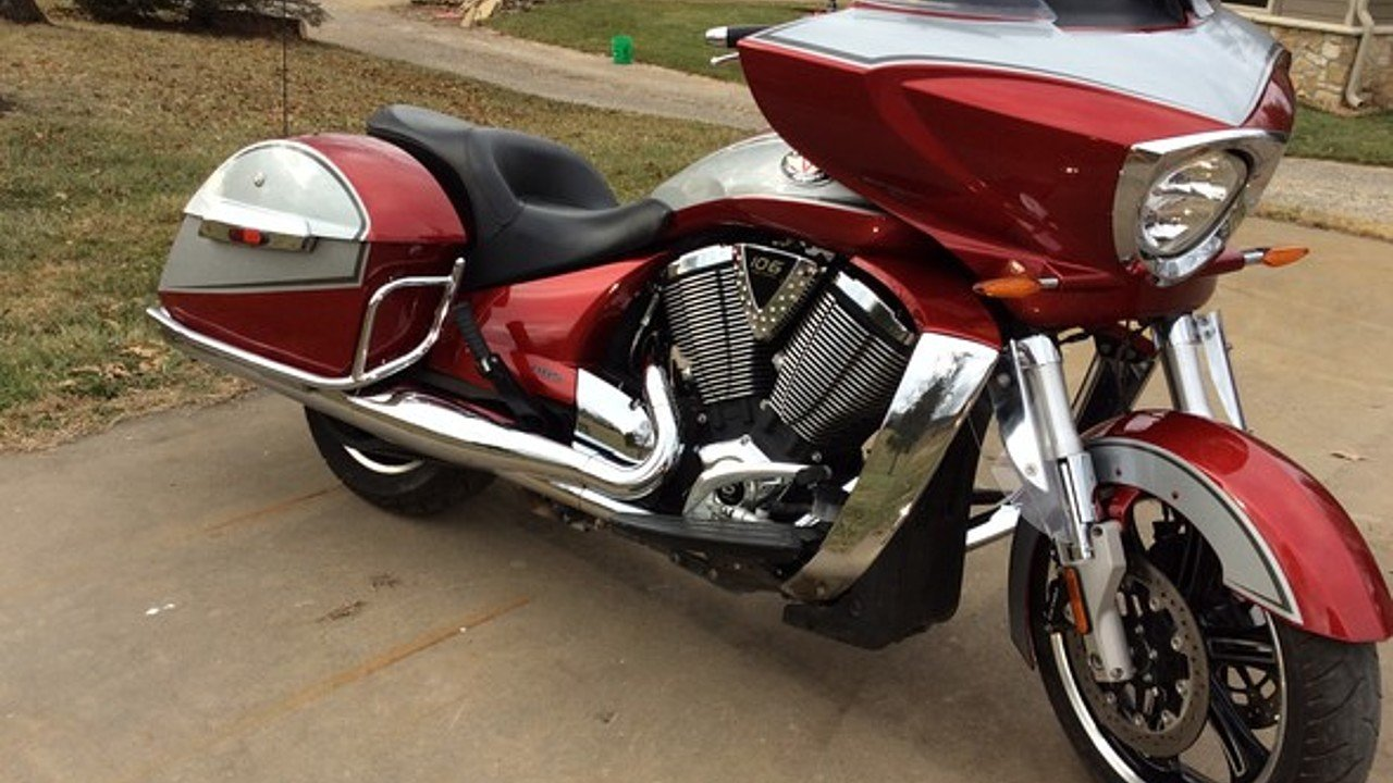 2012 Victory Cross Country for sale 200544659