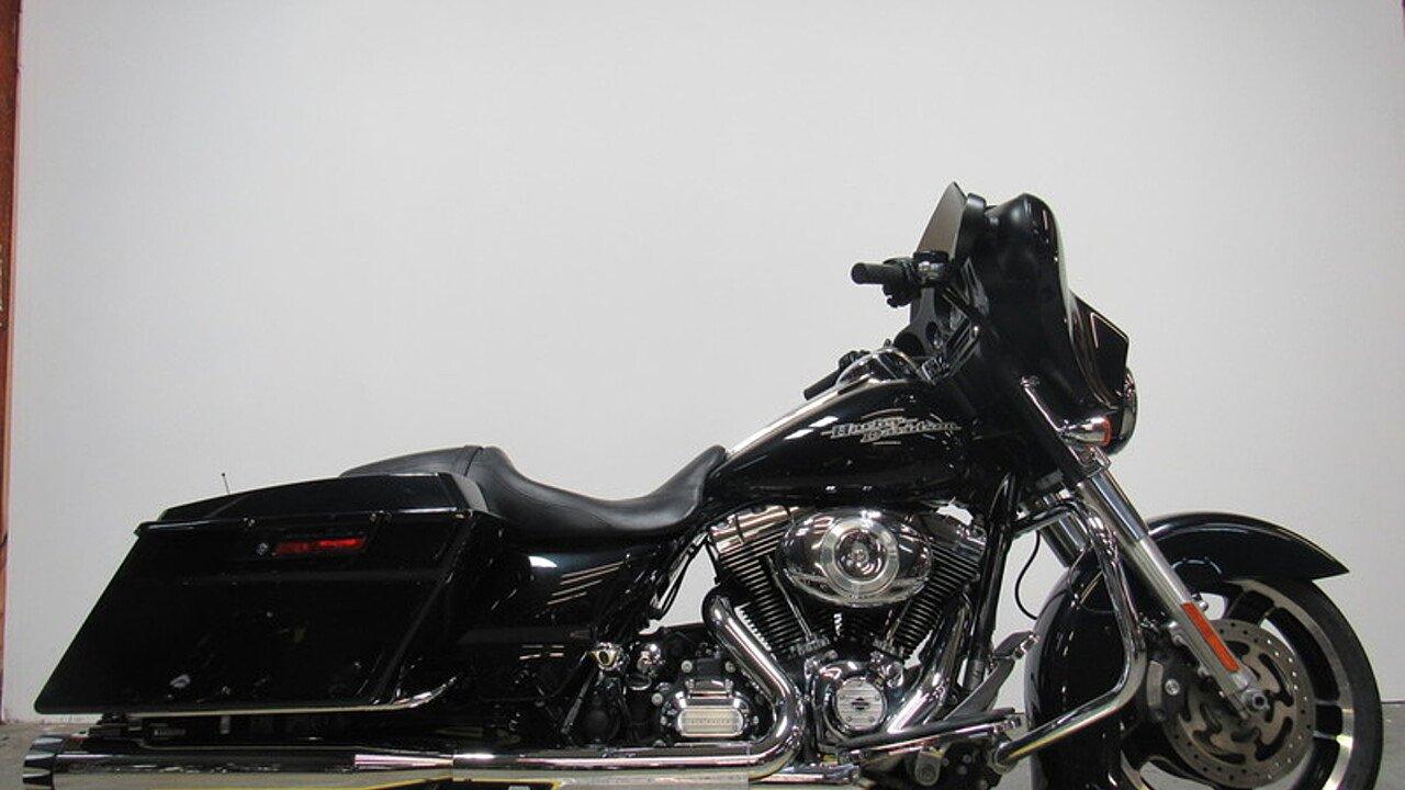 2013 Harley-Davidson Touring for sale 200525654