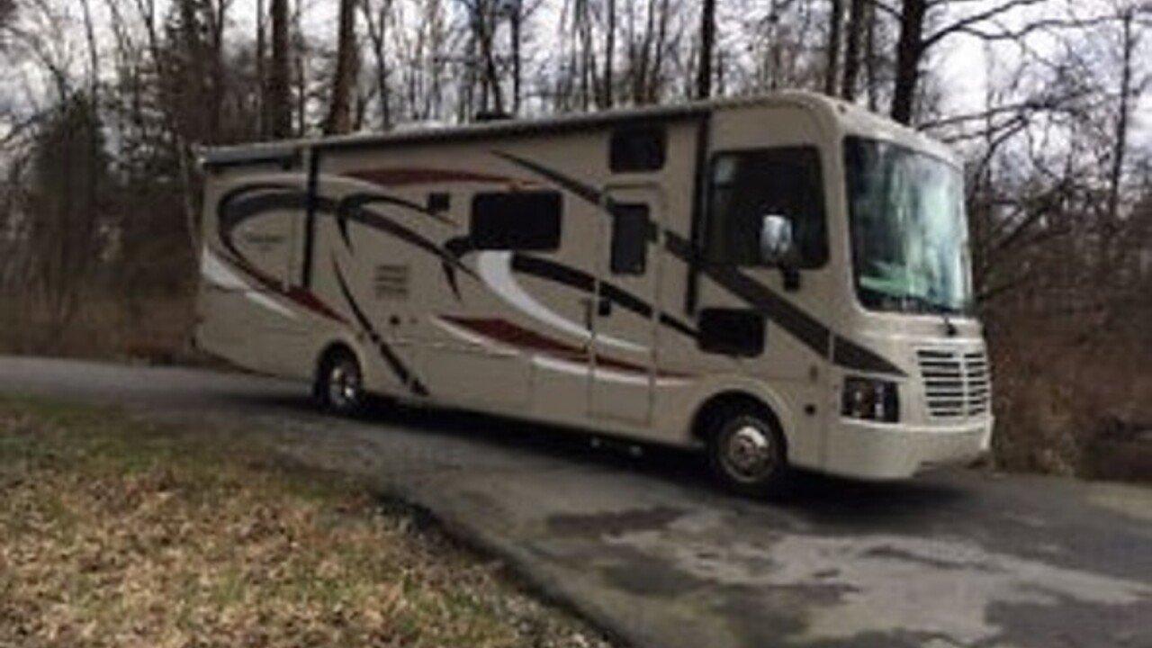 2014 Coachmen Pursuit for sale 300136563