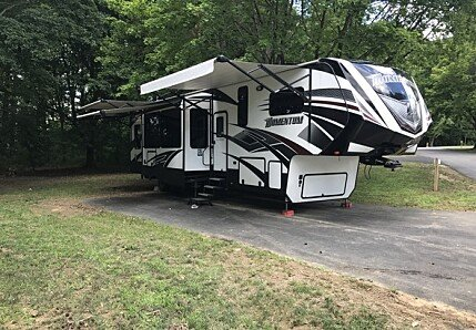 2016 Grand Design Momentum for sale 300148925