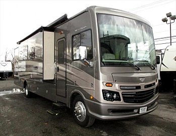 2017 Fleetwood Bounder for sale 300166593