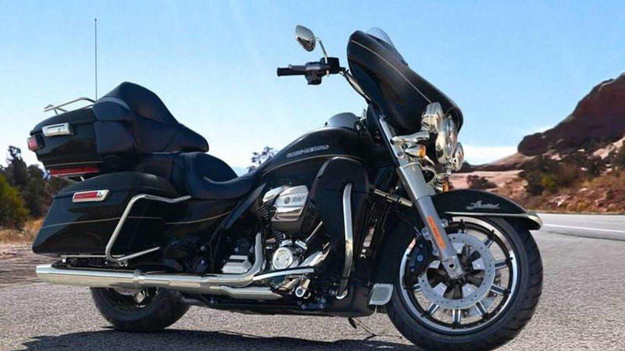 2017 Harley-Davidson Touring for sale 200445108