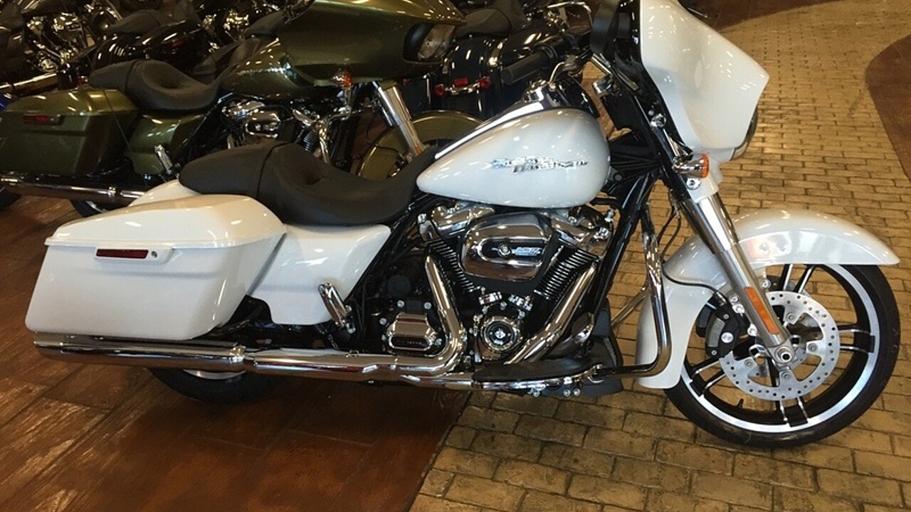 2017 Harley-Davidson Touring for sale 200478600