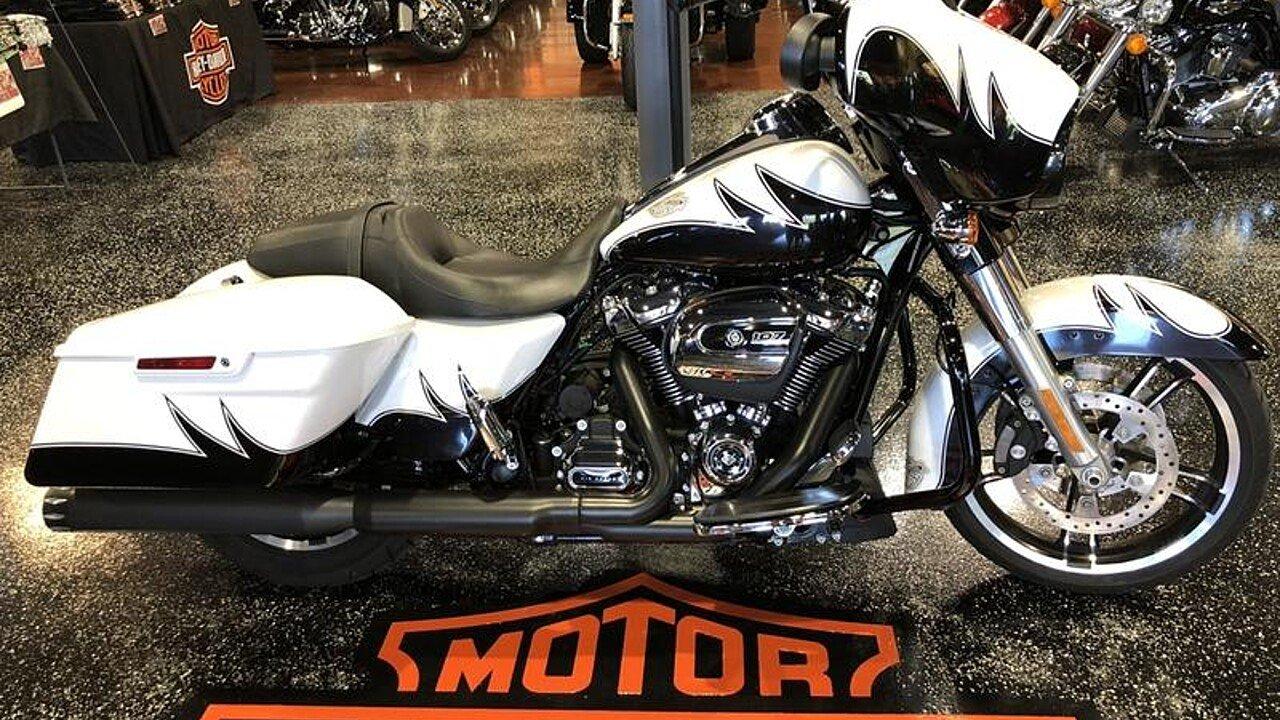 2017 Harley-Davidson Touring for sale 200628724