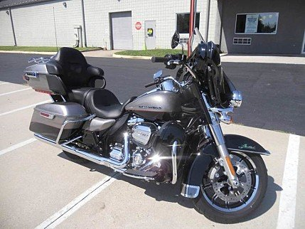 2017 Harley-Davidson Touring for sale 200603627