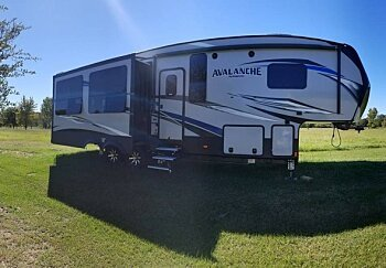 2017 Keystone Avalanche for sale 300151510