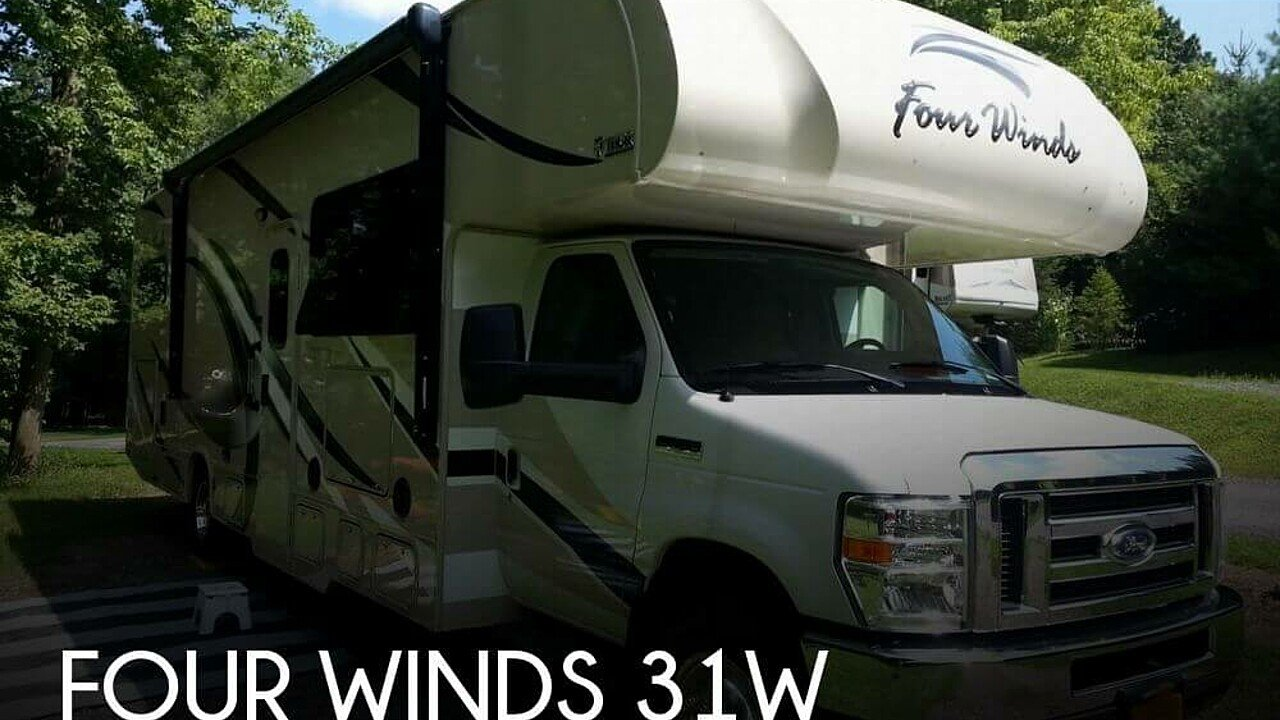 2017 Thor Four Winds for sale 300143652