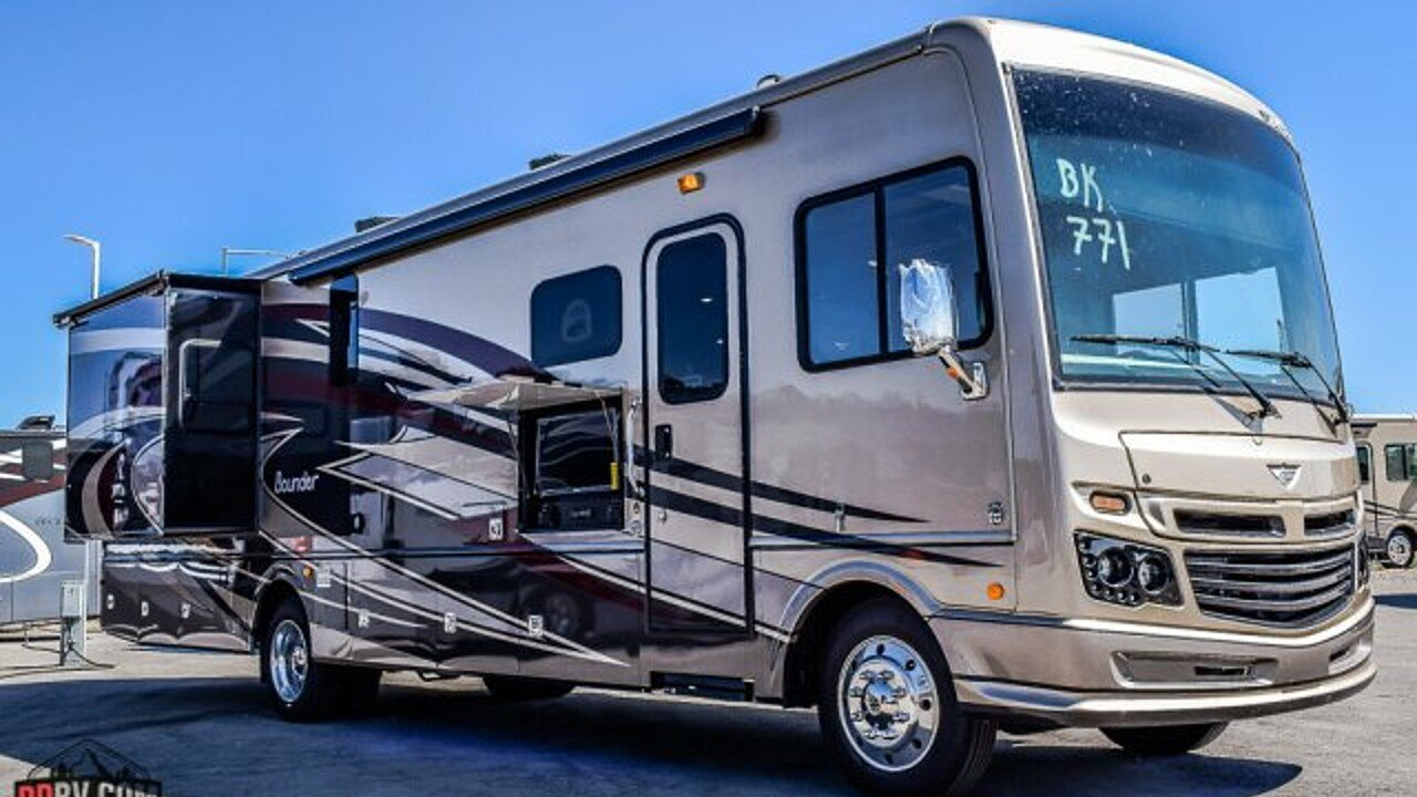 2018 Fleetwood Bounder for sale 300141767