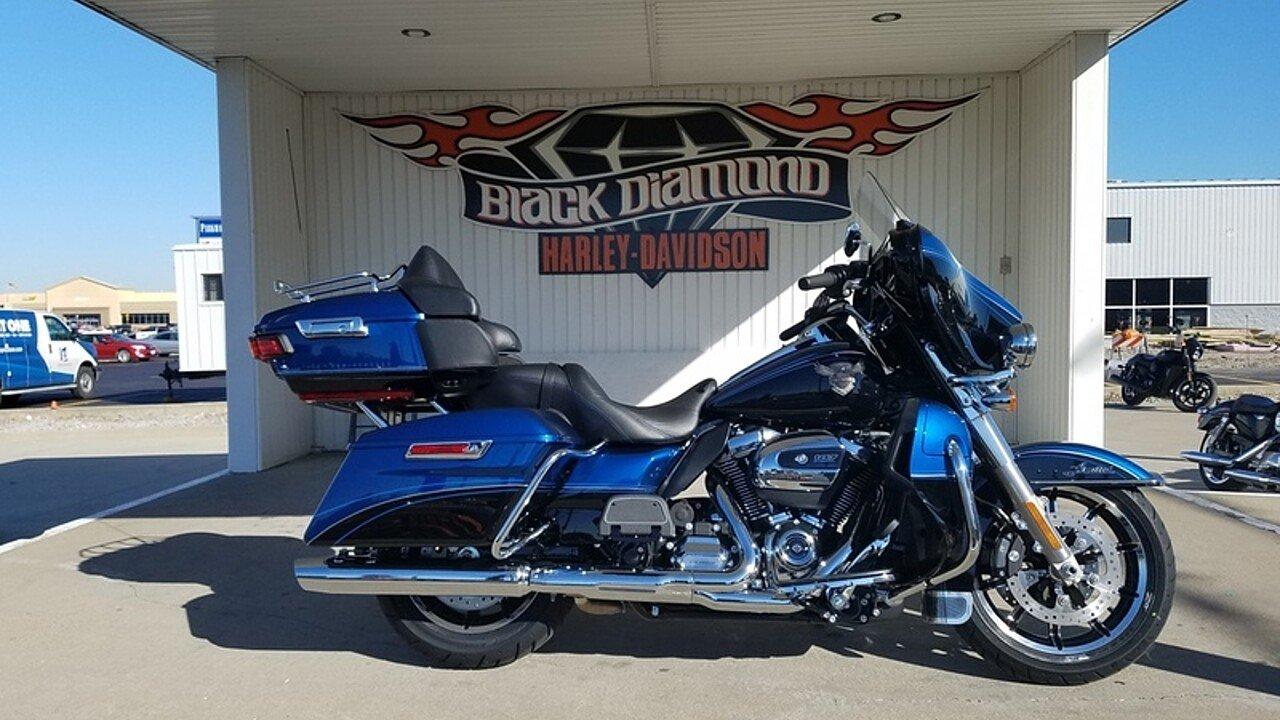 2018 Harley-Davidson Touring for sale 200503584
