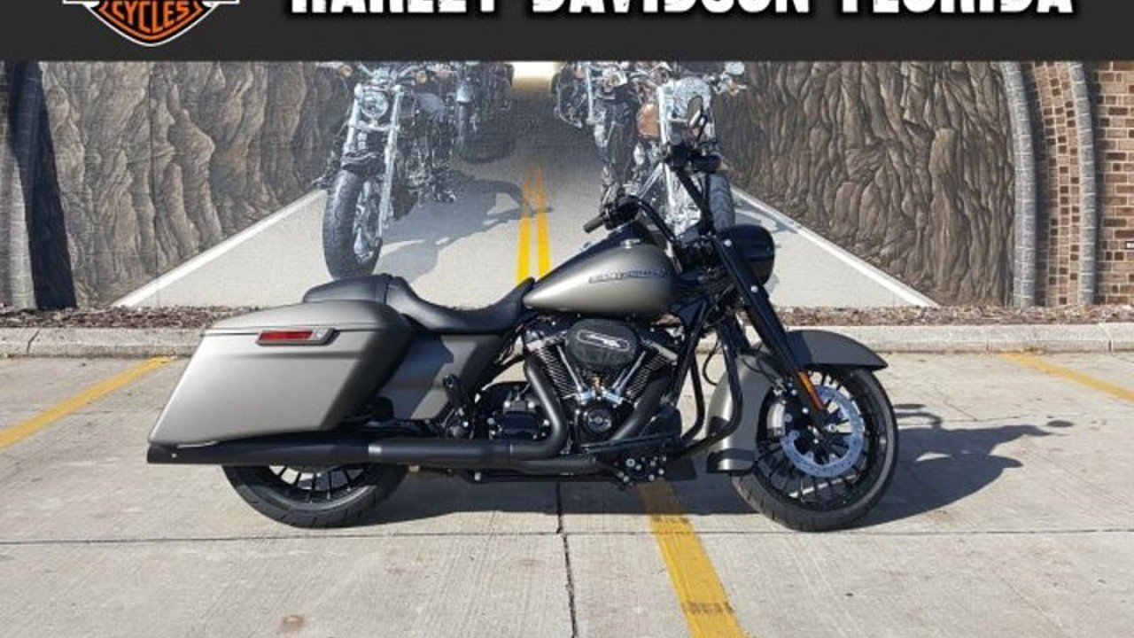 2018 Harley-Davidson Touring for sale 200525335