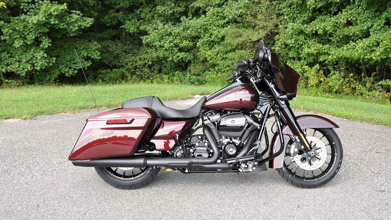 2018 Harley-Davidson Touring for sale 200563445