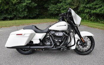 2018 Harley-Davidson Touring for sale 200514053