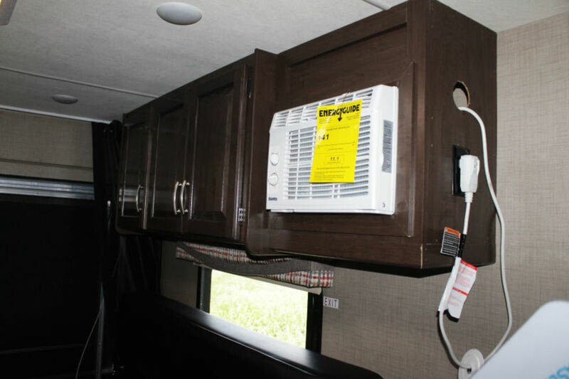 2018 Thor Outlaw Motorhomes Rv 300143968 8c0a8987a175845311f5d0a8c2e3791d?w=1280&h=720&r=thumbnail&s=1 thor wiring diagram thor accessories, thor cover, thor battery thor hurricane wiring diagram at edmiracle.co