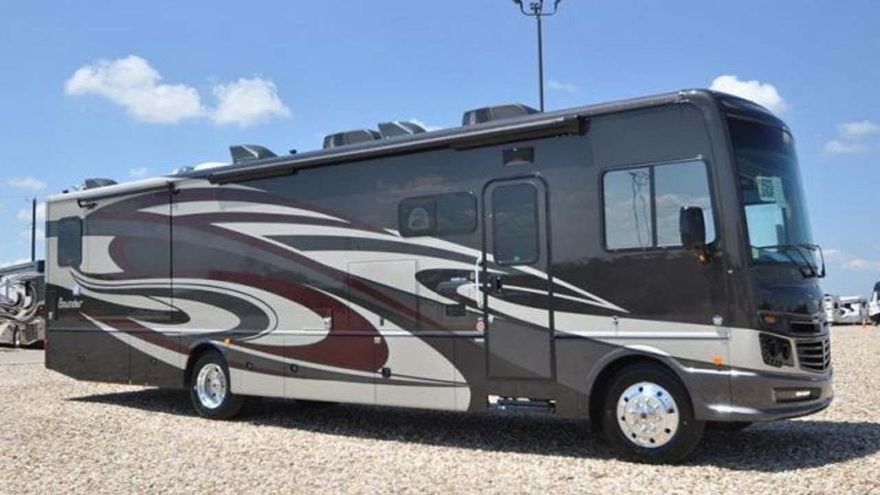 2019 Fleetwood Bounder for sale 300165345