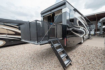 2019 Fleetwood Bounder for sale 300165351