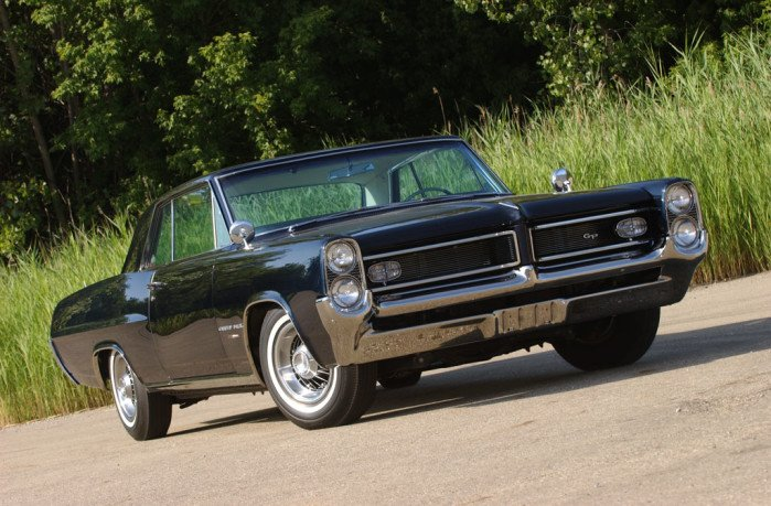 Dare to Be Different - 1964 Pontiac Grand Prix