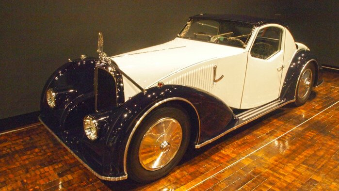 Sensuous Steel: Art Deco Automobiles