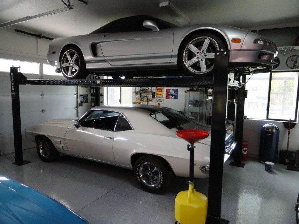 The lowdown on garage lifts part 2 classics on autotrader for Garage auto b2