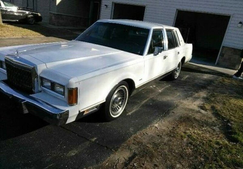 Lincoln Town Car Clics for Sale - Clics on Autotrader